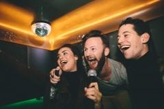 karaoke-singing-party-in-kansas-city-3