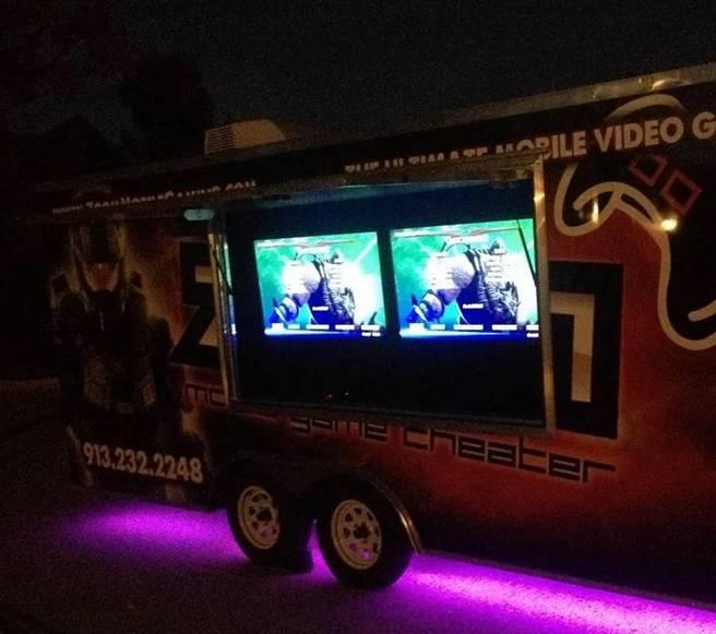 Video game truck game bus game trailer in Kansas City